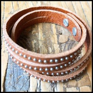 Tan Leather & Silver Stud Double Wrap Bracelet. 🆕